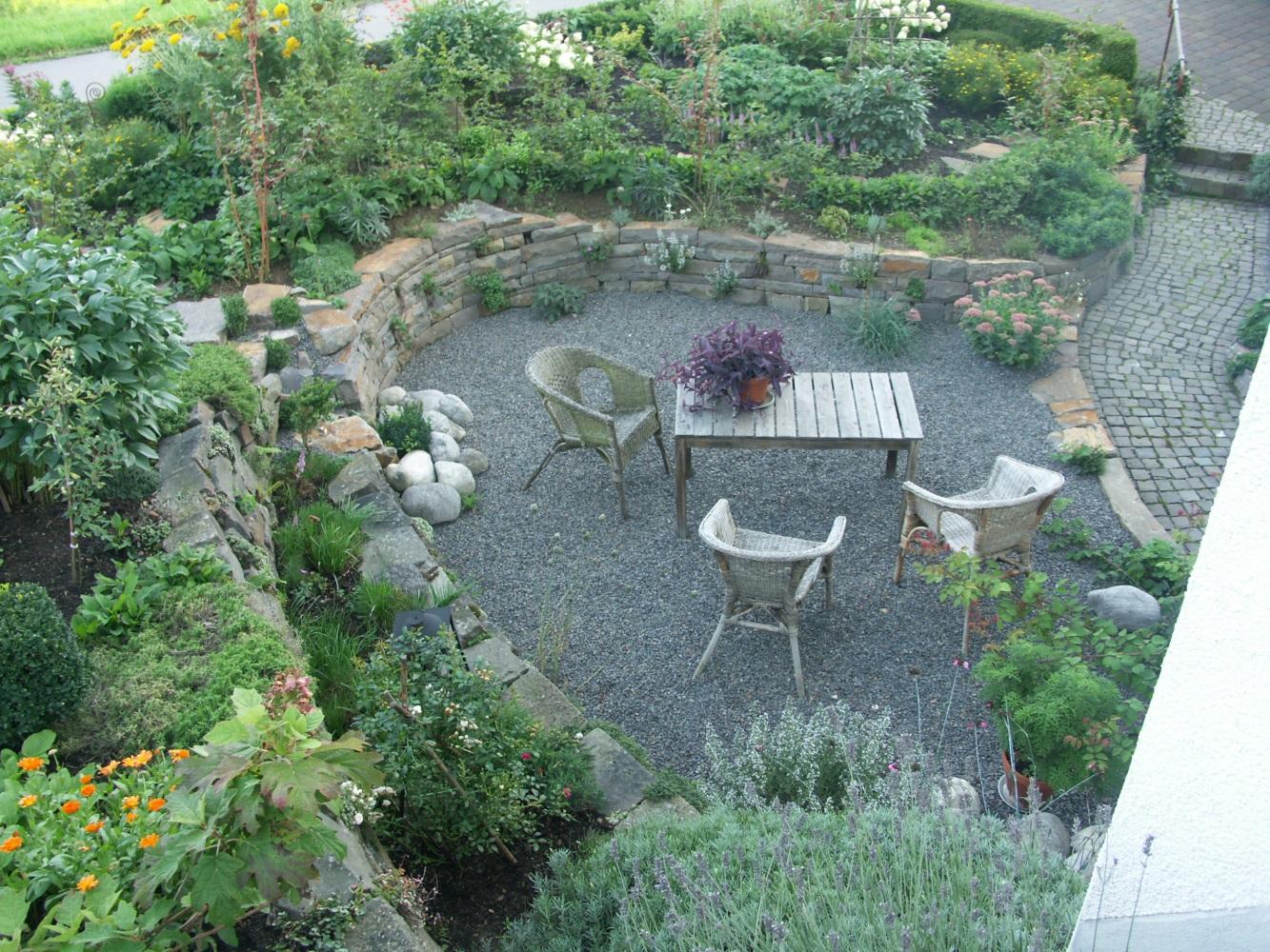 Natursteinarbeiten bergisches land for Gartenboden gestalten